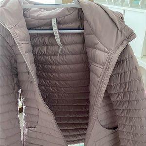 lululemon 'pack it down jacket'